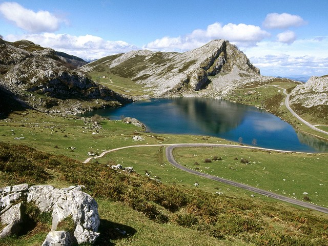 ... the Picos de Europa National Park, . -> Picos de Europa National P