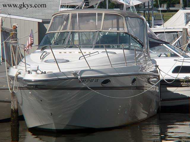 Boat: 1998 Maxum 3000 SCR 1998 Maxum 3000 SCR. The 1998, 3000 SCR is a 32.67 ...